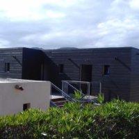 bardage bois foncé en Corse avec Corse Solutions Bois