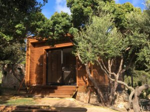 cabane insolite en bois en Corse avec Corse Solutions Bois